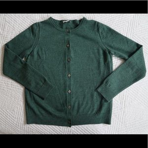 GAP cardigan in evergreen